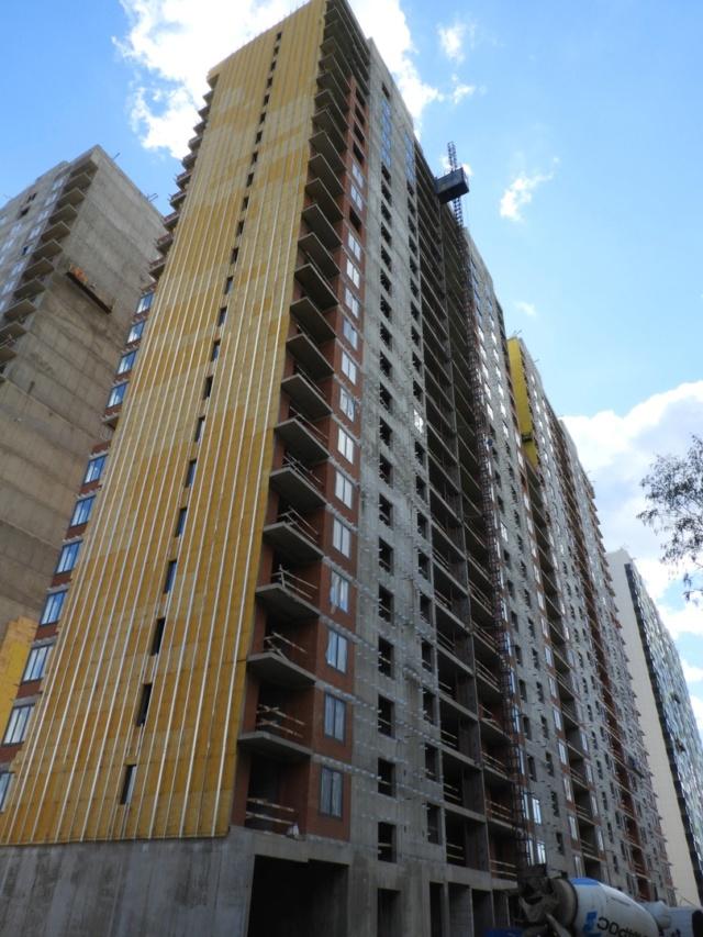 """На ЖК """"Летний сад"""" - начался монтаж фасадных конструкций корпусов второй очереди строительства 914"""