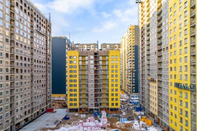 """На ЖК """"Летний сад"""" - начался монтаж фасадных конструкций корпусов второй очереди строительства - Страница 2 Fdk2lq13"""