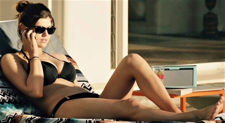 Alexandra Daddario, tópic de extrema necesidad - Página 2 011011