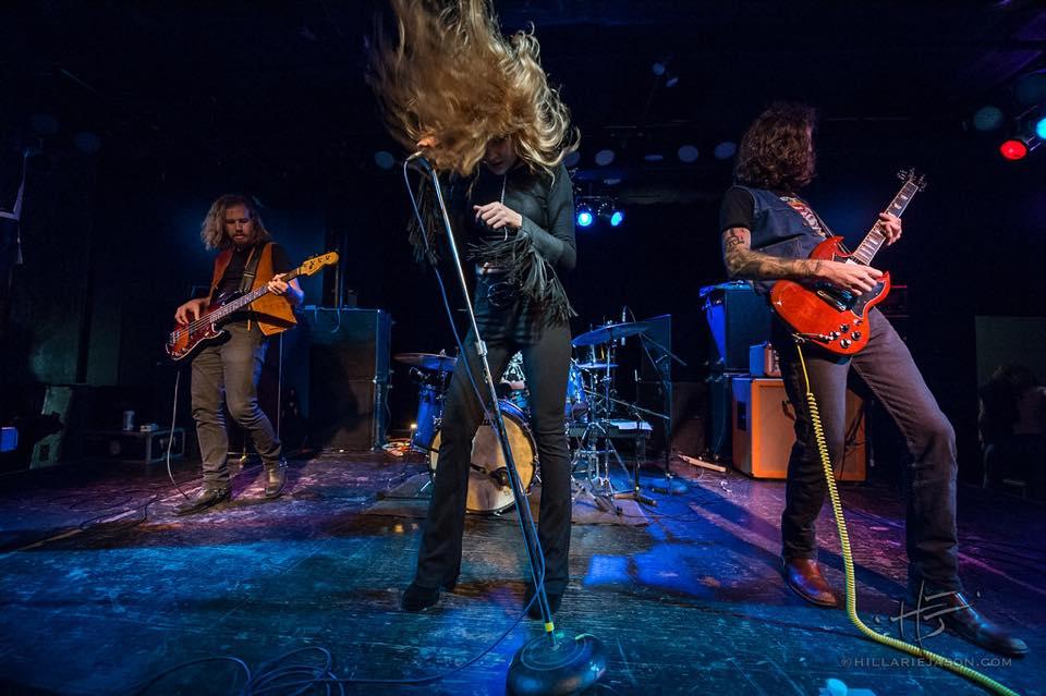 Electric Citizen - Helltown (2018) Black Sabbath, Deep Purple or Mountain with female vocals. 01466