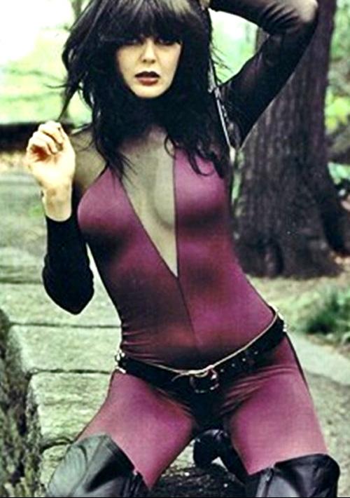 LACA para los Viernes - Stay Hungry (1984) de Twisted Sister / Homenaje a Tawny Kitaen (1961-2021) - Página 2 1x26