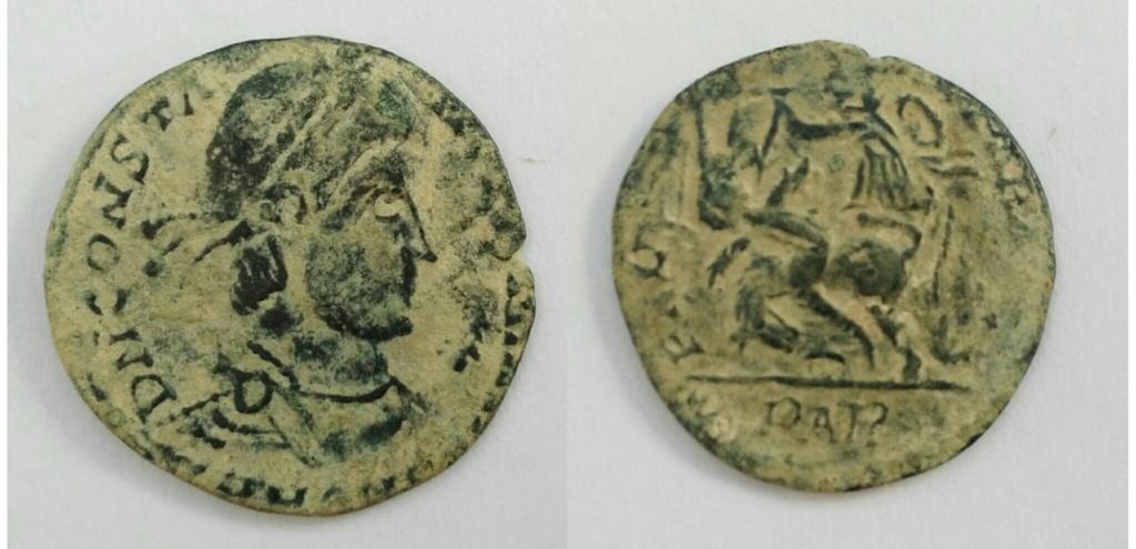 AE3 bárbaro de Constancio II - FEL TEMP REPARATIO - Arles Img_2031