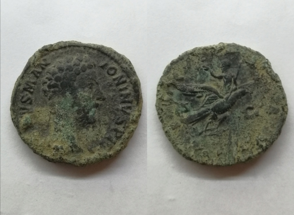 Sestercio póstumo de Marco Aurelio. CONSECRATIO. Emmperador sobre águila. Roma Img_2133