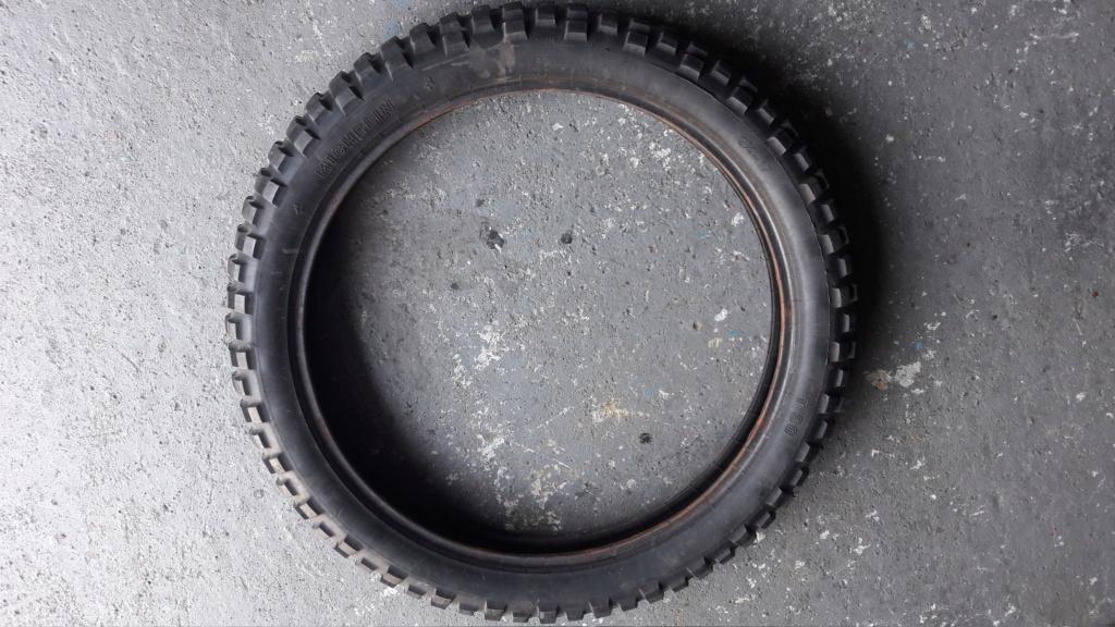 vends ou echange pneu  Pneu_910