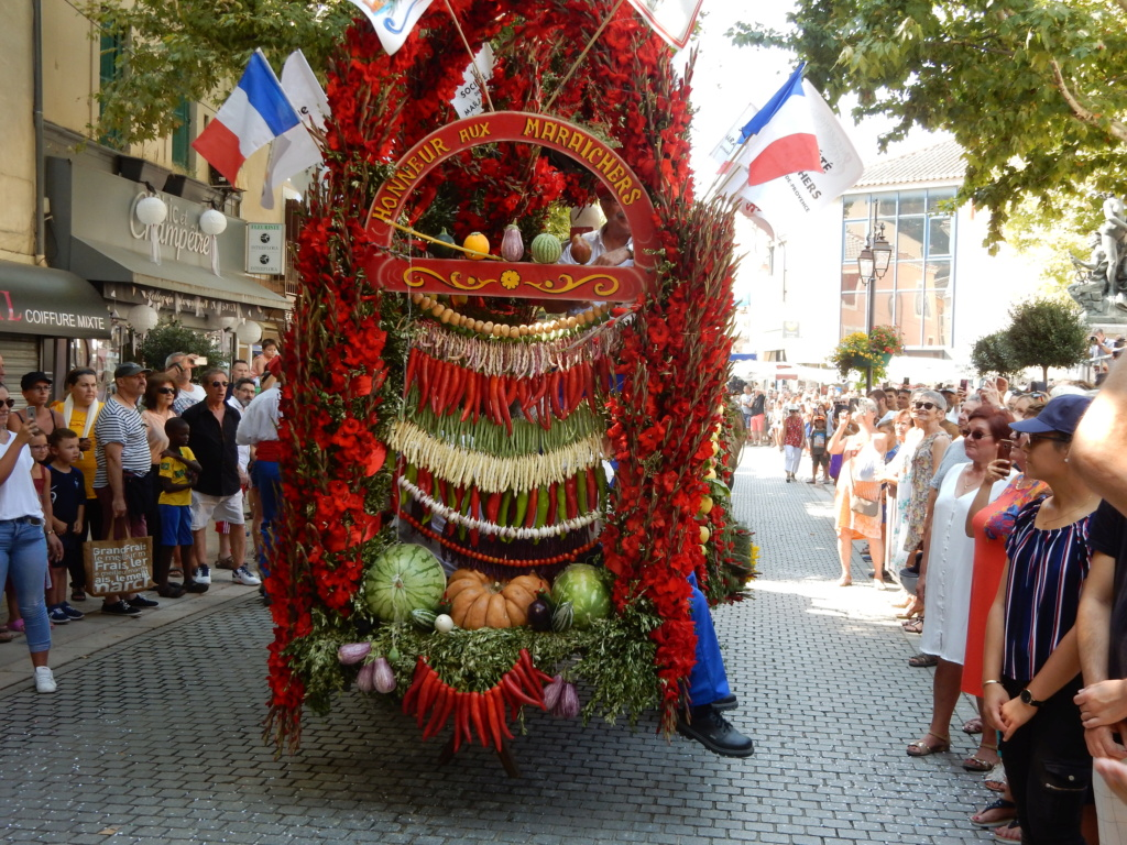 [Autres voyages/France] Traditions Provençales - Page 3 12_fru10