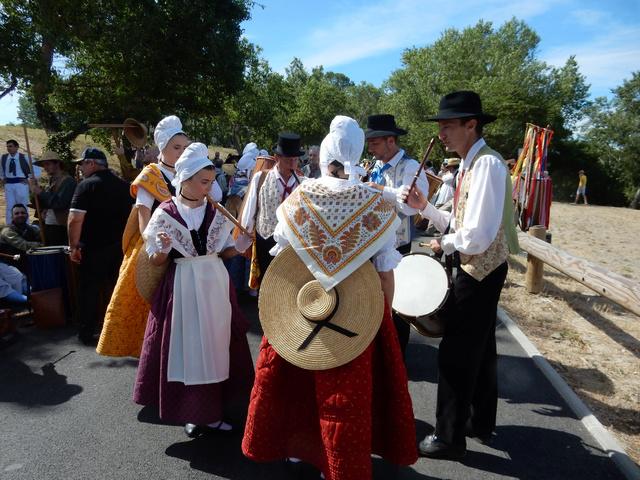 [Autres voyages/France] Traditions Provençales - Page 2 3_prov10