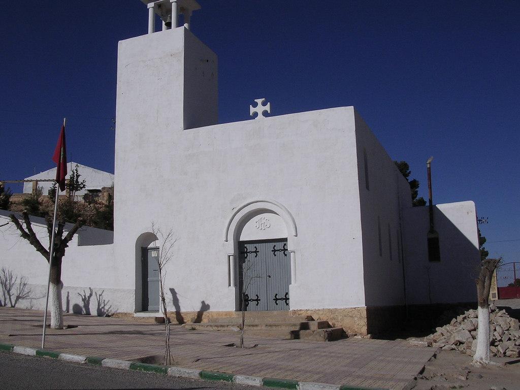 [Maroc/Histoire, Accueil...] église ouarzazate 4_egli10