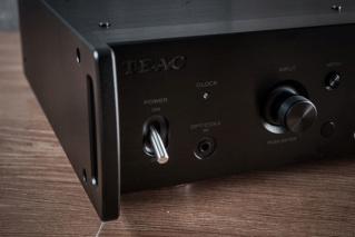 TEAC UD-505 USB DAC & Headphone Amplifier Es_15212