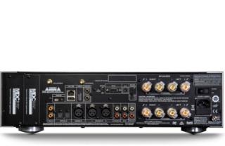 NAD M33 BluOS® Streaming DAC Amplifier Es_g7415