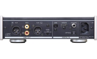 TEAC UD-301 D/A Converter with USB Streaming Es_tea13