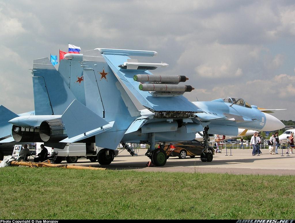 Sukhoi Su-33 Flanker-D 1/72 09066310