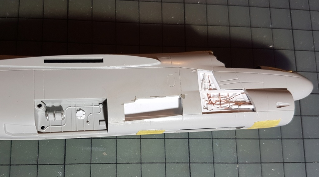[Montage fini] A-7E Corsair II - 1/72 - Page 3 20191234