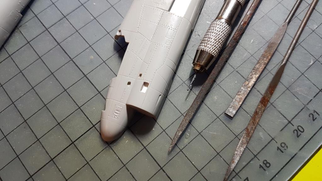 [Montage fini] A-7E Corsair II - 1/72 - Page 3 20191249