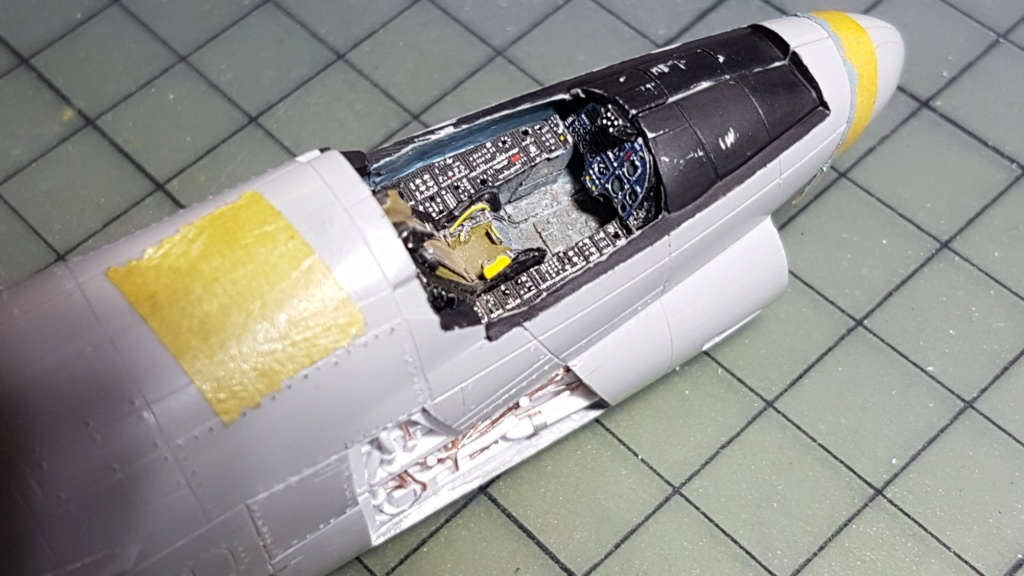 [Montage fini] A-7E Corsair II - 1/72 - Page 4 20191264