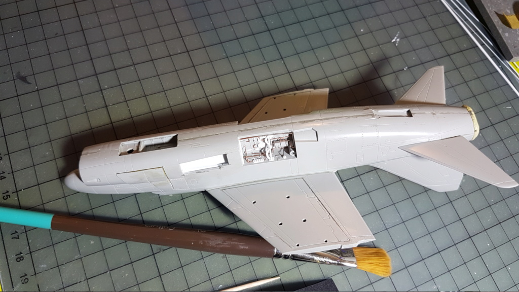 [Montage fini] A-7E Corsair II - 1/72 - Page 4 20191272