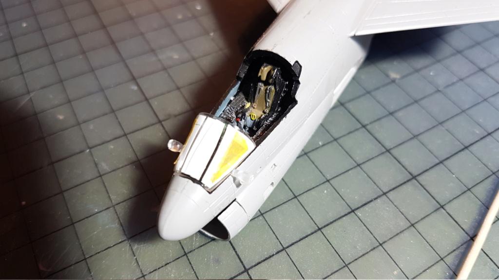 [Montage fini] A-7E Corsair II - 1/72 - Page 4 20191297