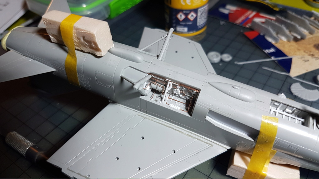 [Montage fini] A-7E Corsair II - 1/72 - Page 5 20191316