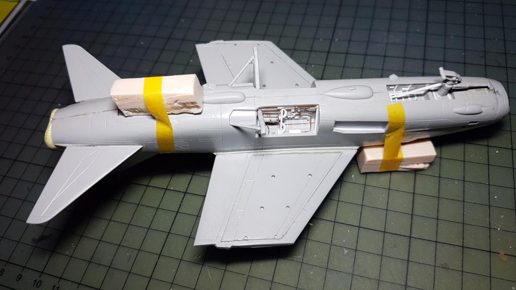 [Montage fini] A-7E Corsair II - 1/72 - Page 5 20191318