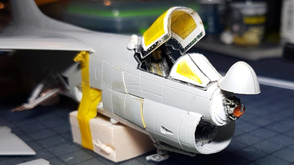 [Montage fini] A-7E Corsair II - 1/72 - Page 5 20191334