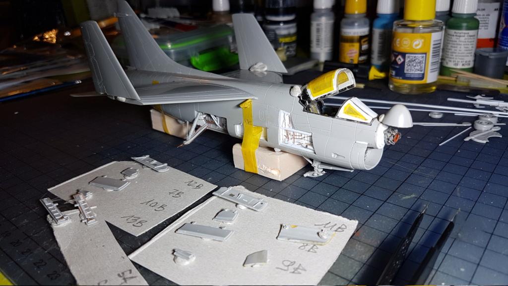 [Montage fini] A-7E Corsair II - 1/72 - Page 5 20191335