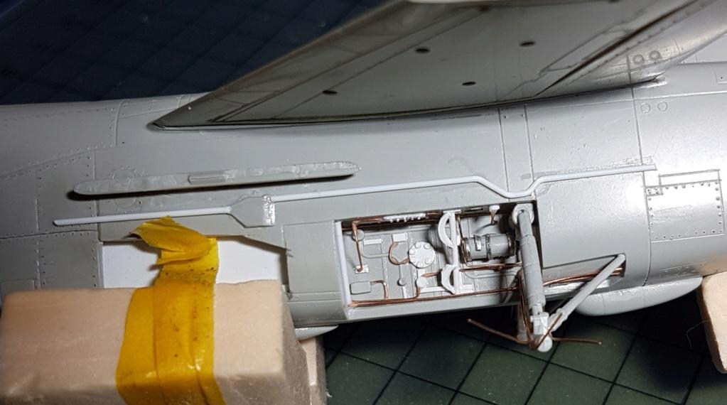 [Montage fini] A-7E Corsair II - 1/72 - Page 5 20191341