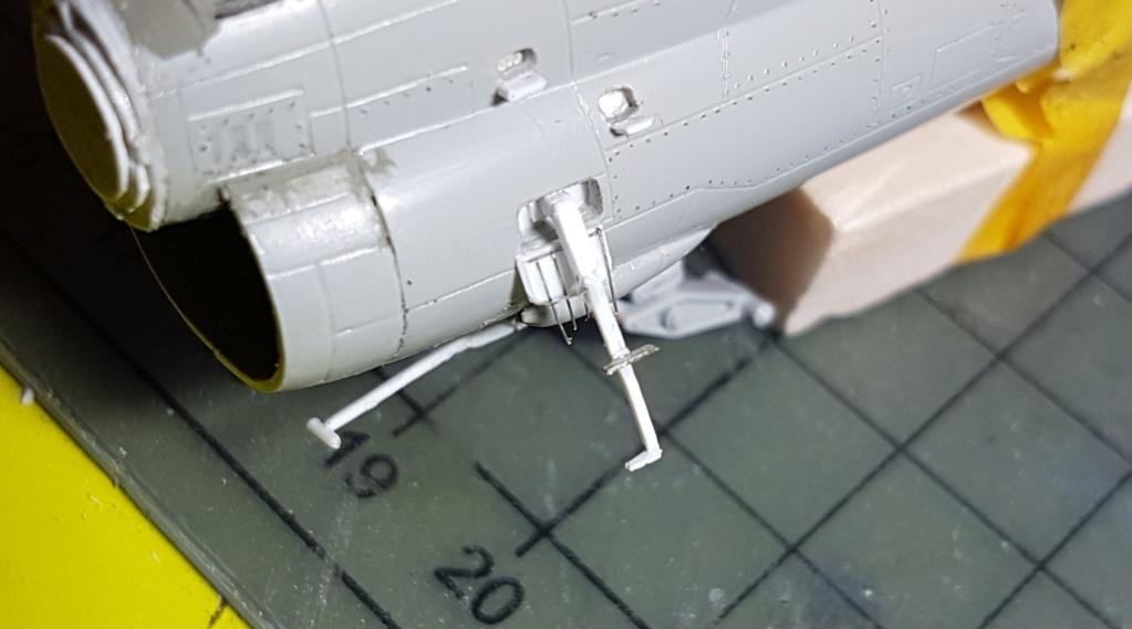 [Montage fini] A-7E Corsair II - 1/72 - Page 5 20191357