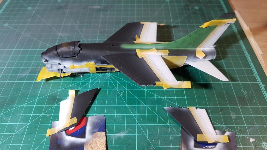 [Montage fini] A-7E Corsair II - 1/72 - Page 6 20191383