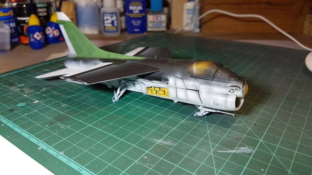 [Montage fini] A-7E Corsair II - 1/72 - Page 6 20191384