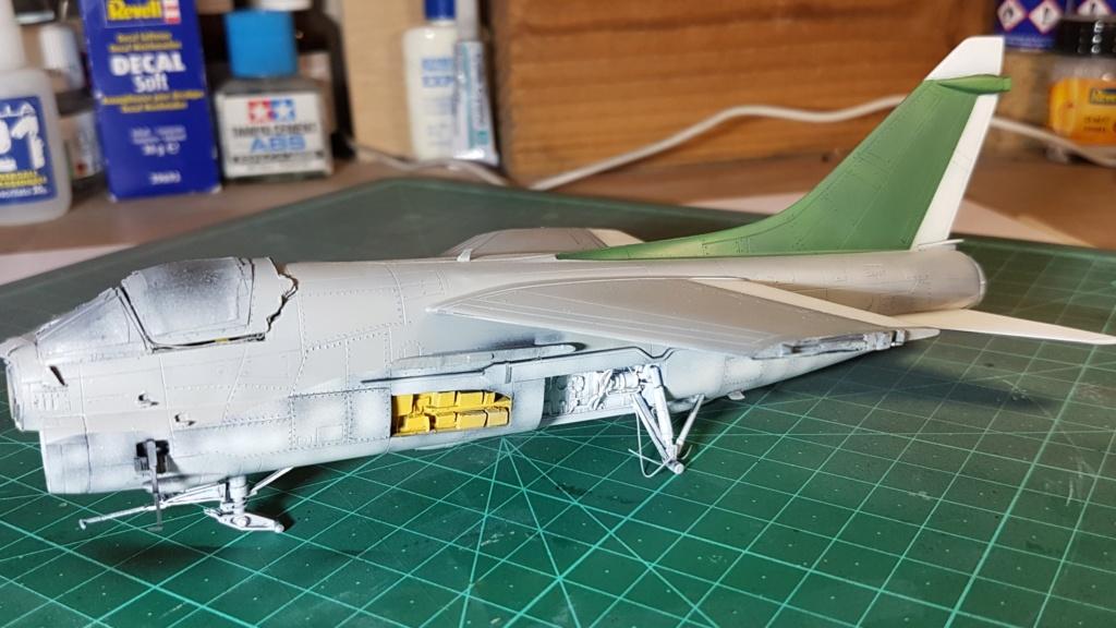 [Montage fini] A-7E Corsair II - 1/72 - Page 6 20191388