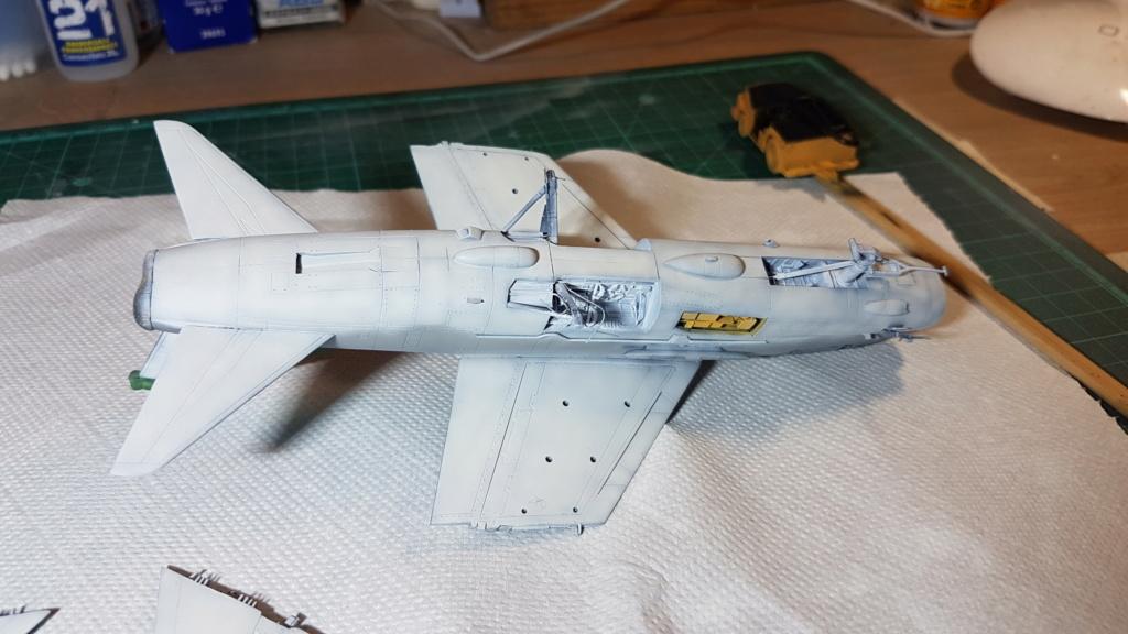 [Montage fini] A-7E Corsair II - 1/72 - Page 6 20191391