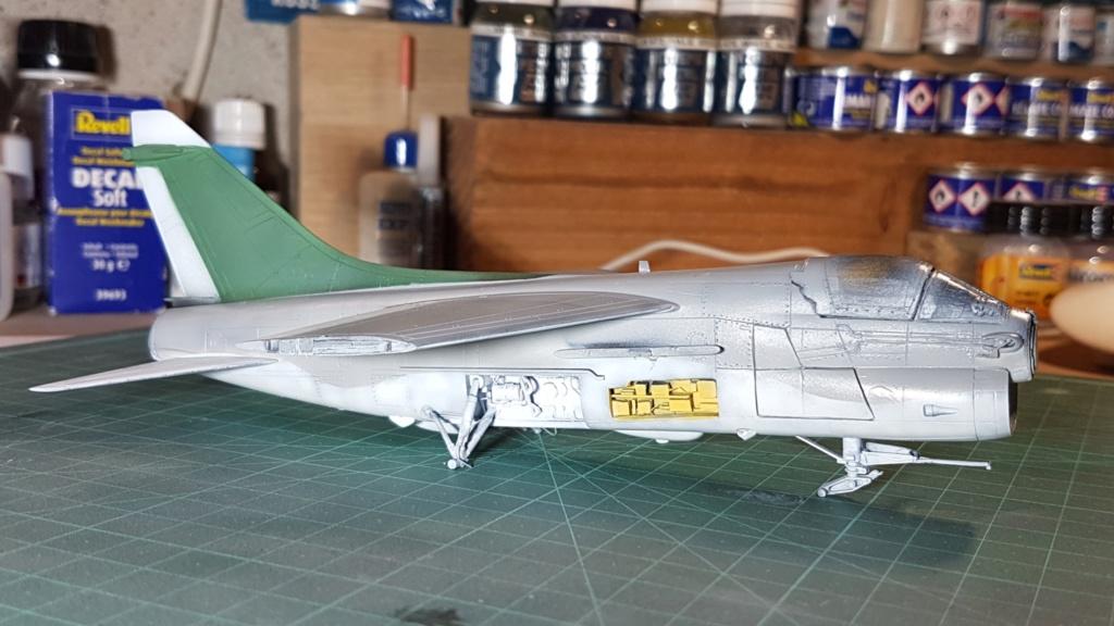 [Montage fini] A-7E Corsair II - 1/72 - Page 6 20191393
