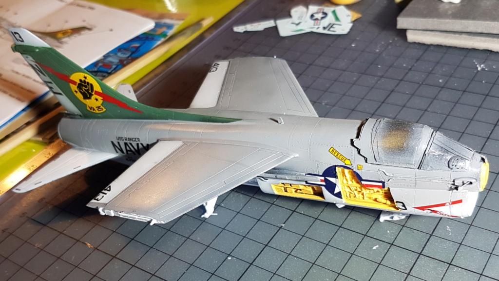 [Montage fini] A-7E Corsair II - 1/72 - Page 6 20191401