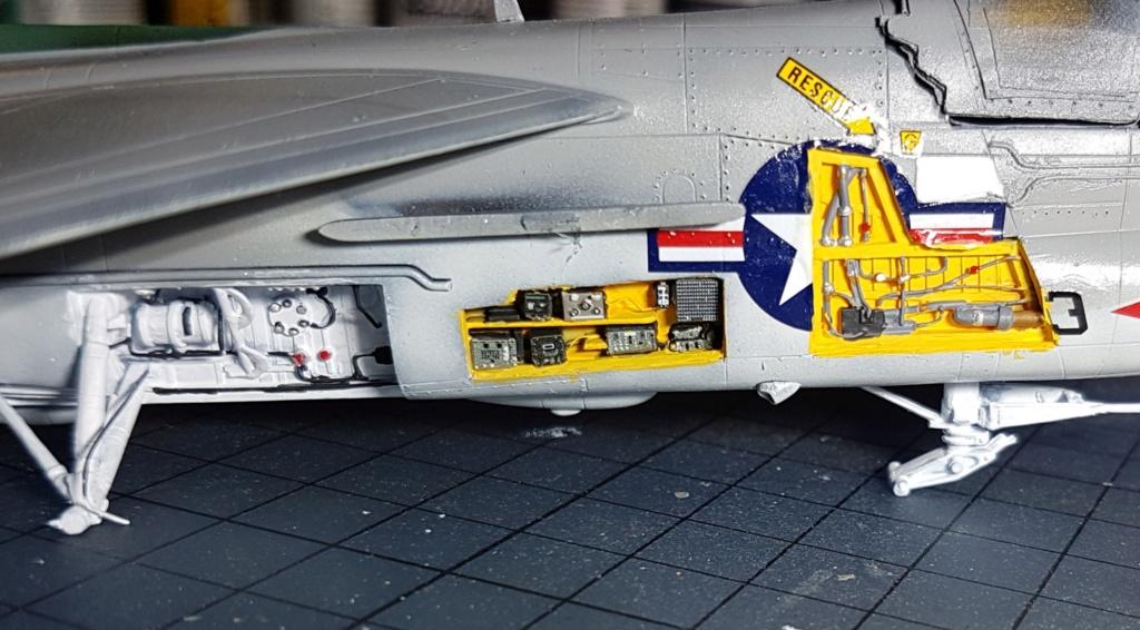 [Montage fini] A-7E Corsair II - 1/72 - Page 6 20191403