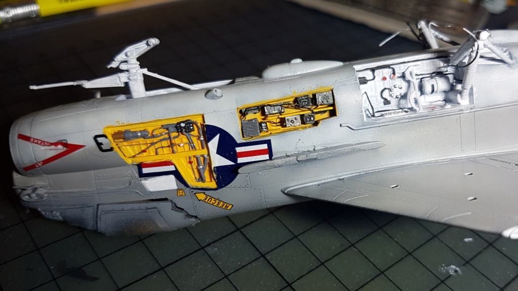 [Montage fini] A-7E Corsair II - 1/72 - Page 7 20191405
