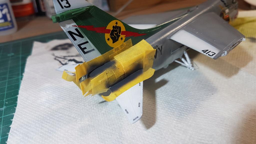 [Montage fini] A-7E Corsair II - 1/72 - Page 7 20191416