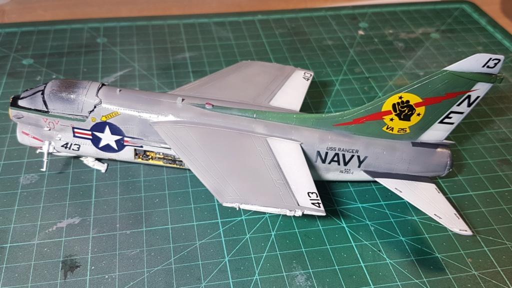 [Montage fini] A-7E Corsair II - 1/72 - Page 7 20191417