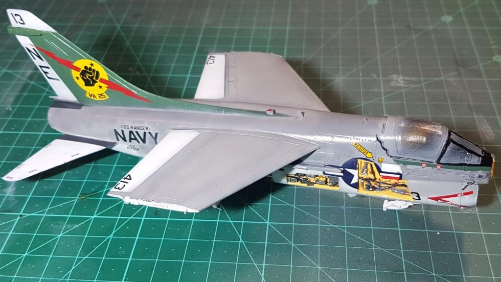 [Montage fini] A-7E Corsair II - 1/72 - Page 7 20191418