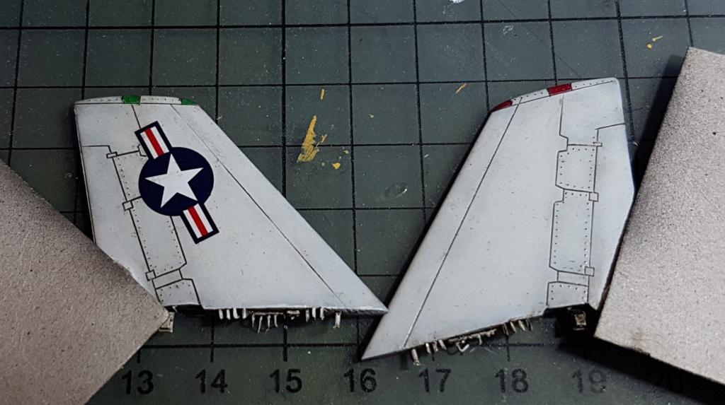 [Montage fini] A-7E Corsair II - 1/72 - Page 7 20191420
