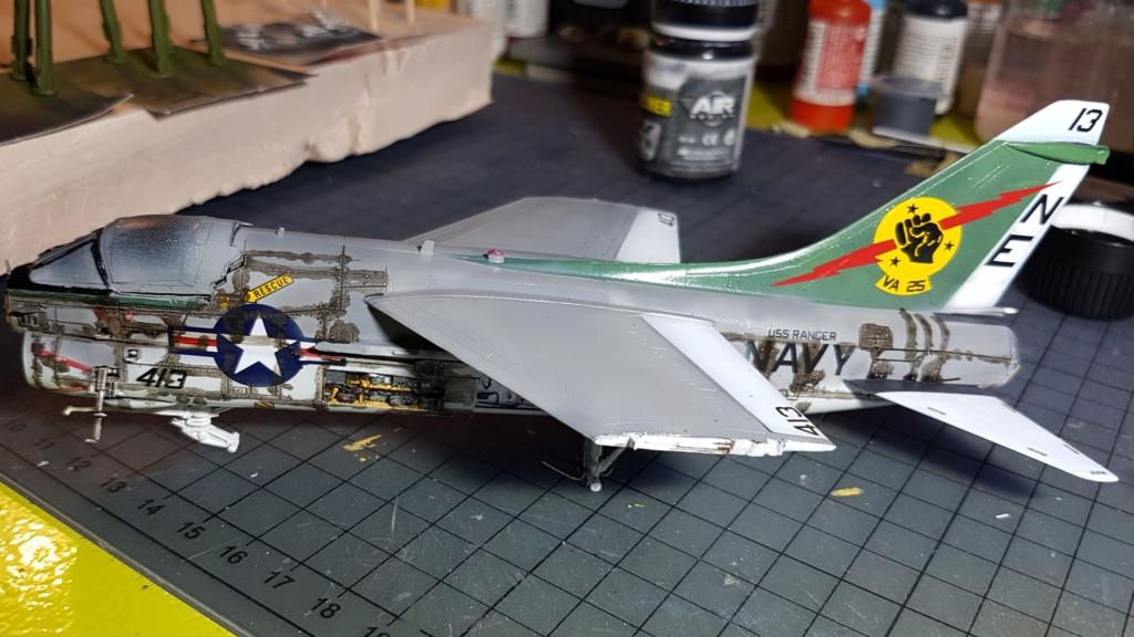 [Montage fini] A-7E Corsair II - 1/72 - Page 7 20191425