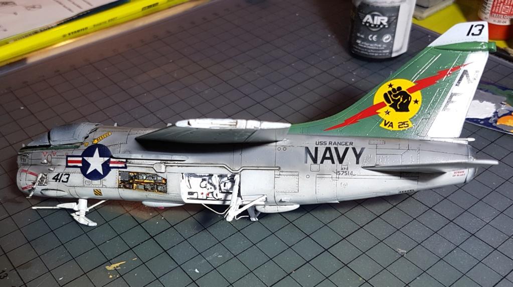 [Montage fini] A-7E Corsair II - 1/72 - Page 7 20191426