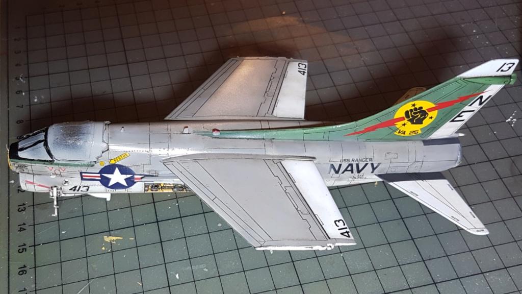 [Montage fini] A-7E Corsair II - 1/72 - Page 7 20191430