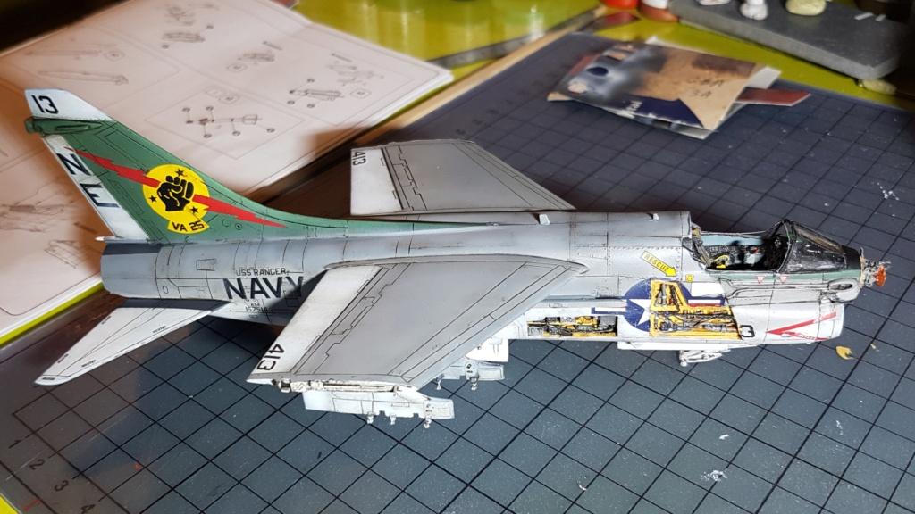 [Montage fini] A-7E Corsair II - 1/72 - Page 8 20191443