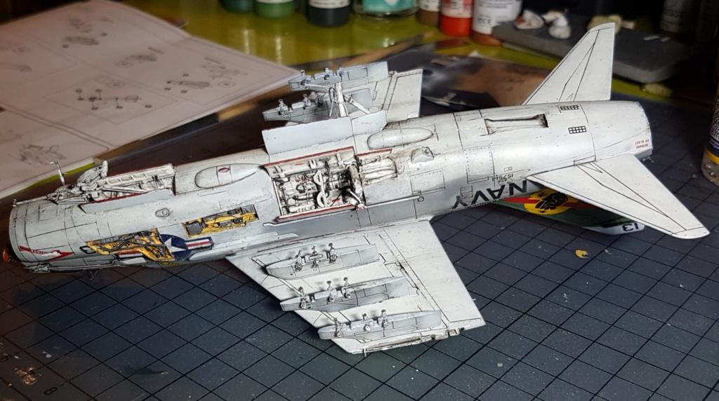 [Montage fini] A-7E Corsair II - 1/72 - Page 8 20191446