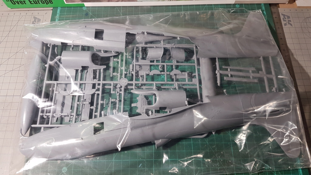 [Unboxing] T-33A T-Bird - 1/32 20200439