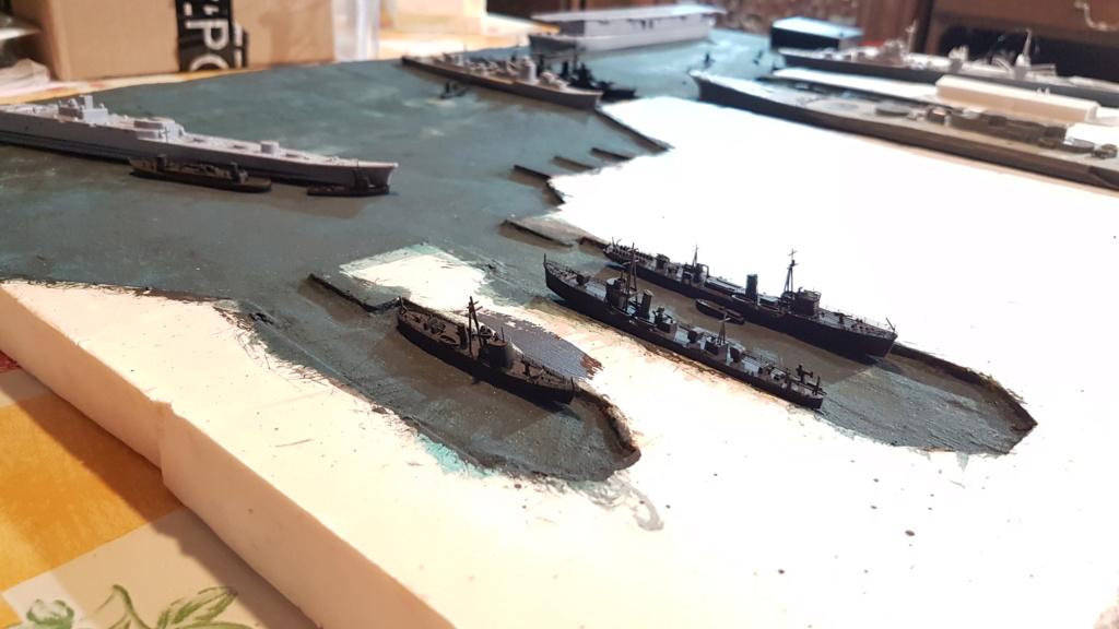 [Montage] Port/arsenal de Kure WWII - 1/700 - Page 4 20200662