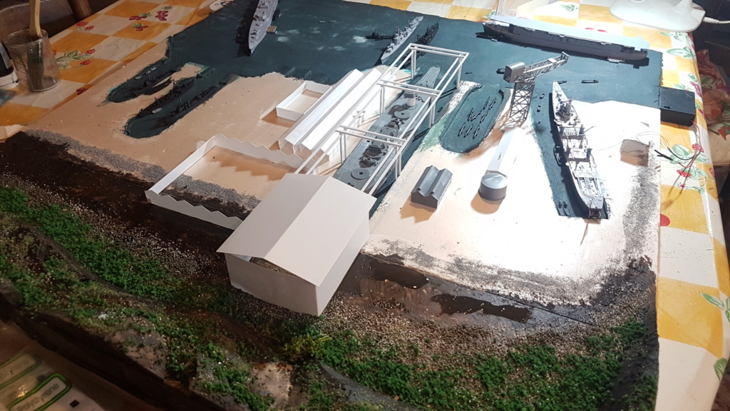 [Montage] Port/arsenal de Kure WWII - 1/700 - Page 4 20200672