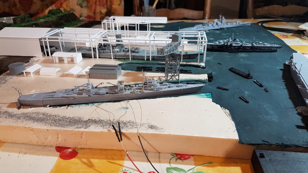 [Montage] Port/arsenal de Kure WWII - 1/700 - Page 4 20200674