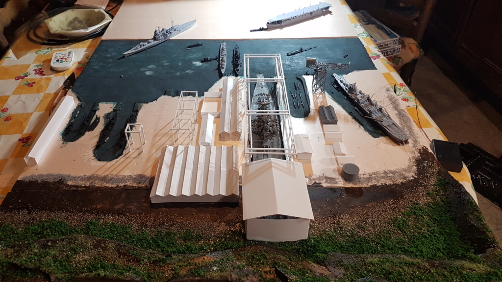 [Montage] Port/arsenal de Kure WWII - 1/700 - Page 5 20200689