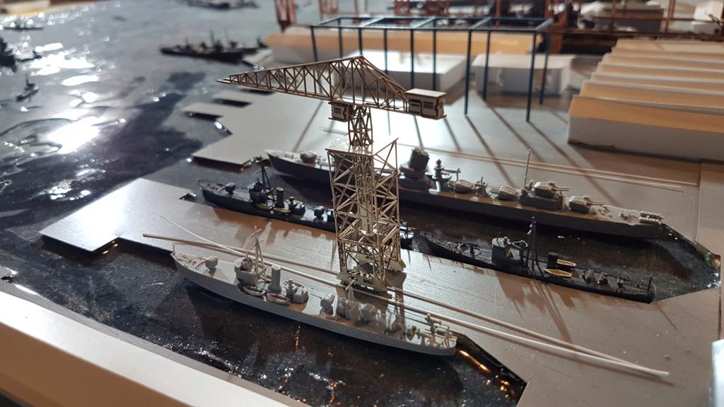 [Montage] Port/arsenal de Kure WWII - 1/700 - Page 10 20200870