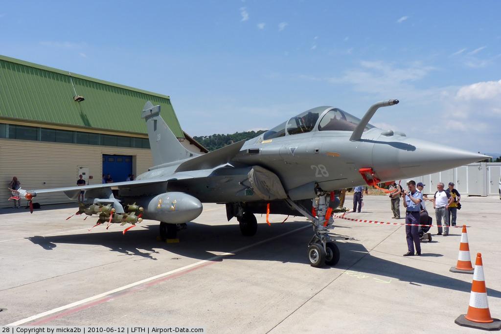 [Montage fini] Dassault Rafale M - 1/72 - Page 2 Ac001010